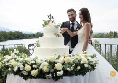 1. taglio-torta-matrimonio-lago-di-garda-wedding-cake-verona