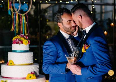8.taglio-torta-matrimonio-gay-lgbt-amore-wedding-cake-lago-di-garda